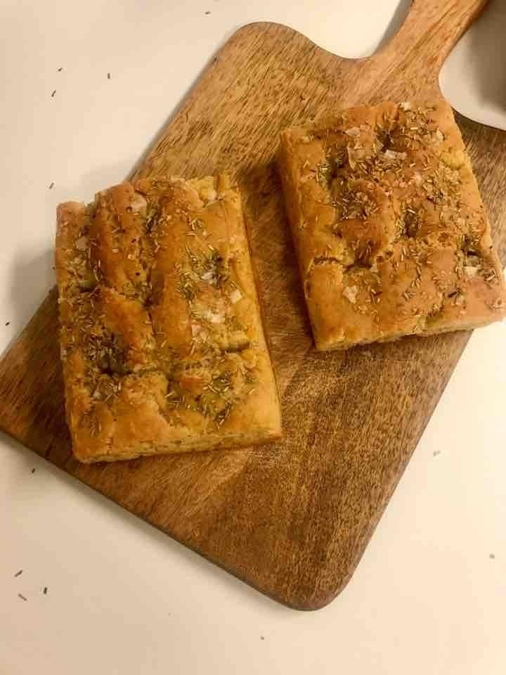 Fresh glutenfree vegetarian focacchia from Happy Atelier (15/04)