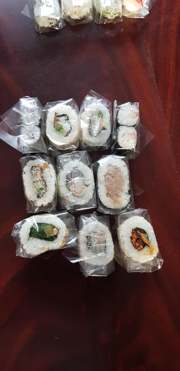 Mixed sushi 4
