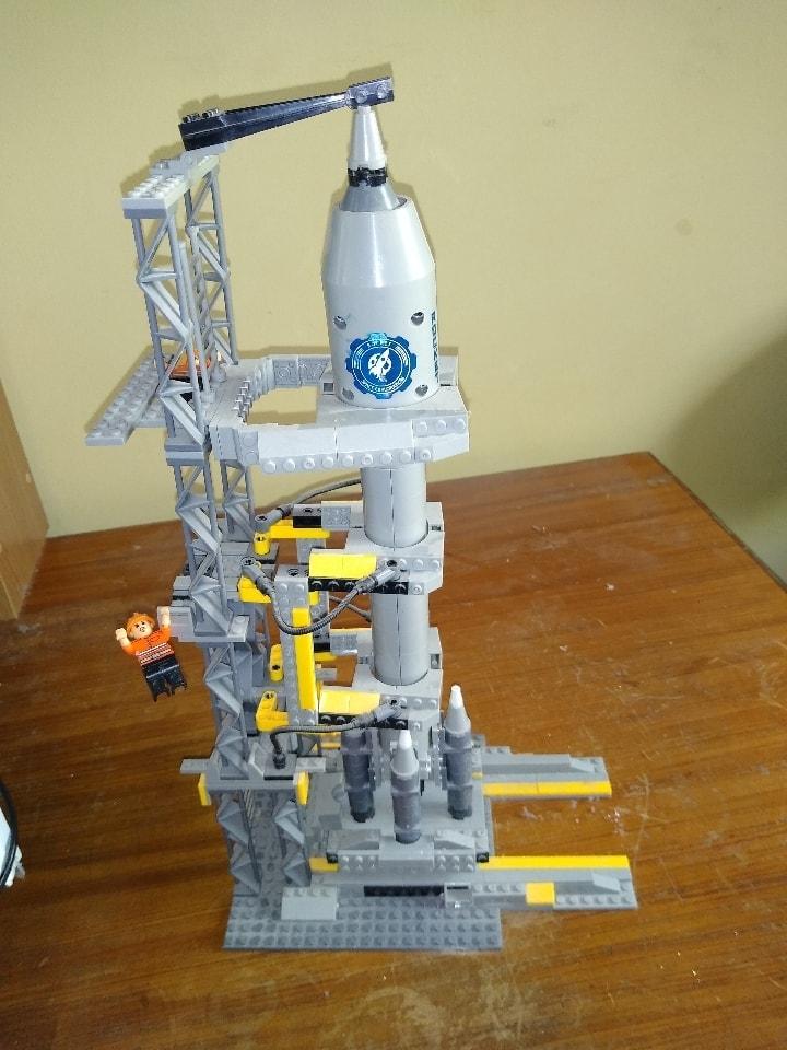 Lego type toy