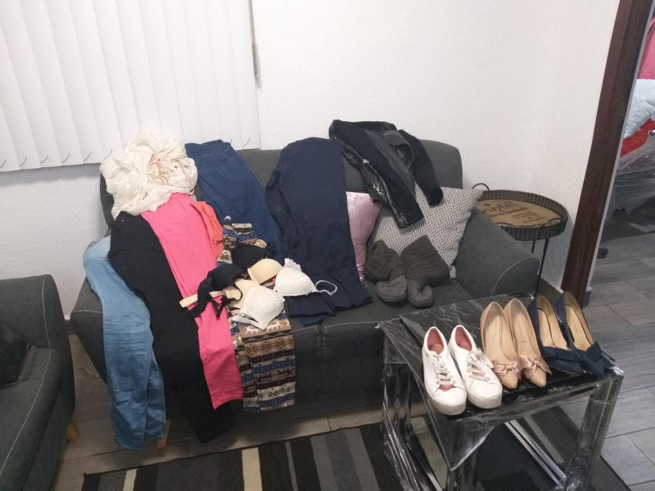 Ropa de mujer y zapatos