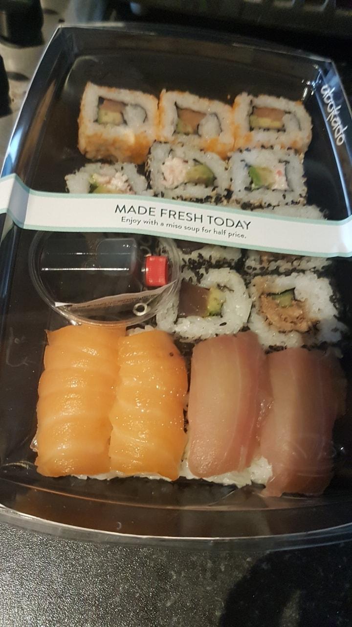Abokado Sushi