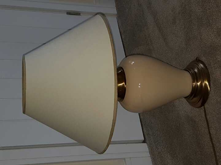Large lamp.