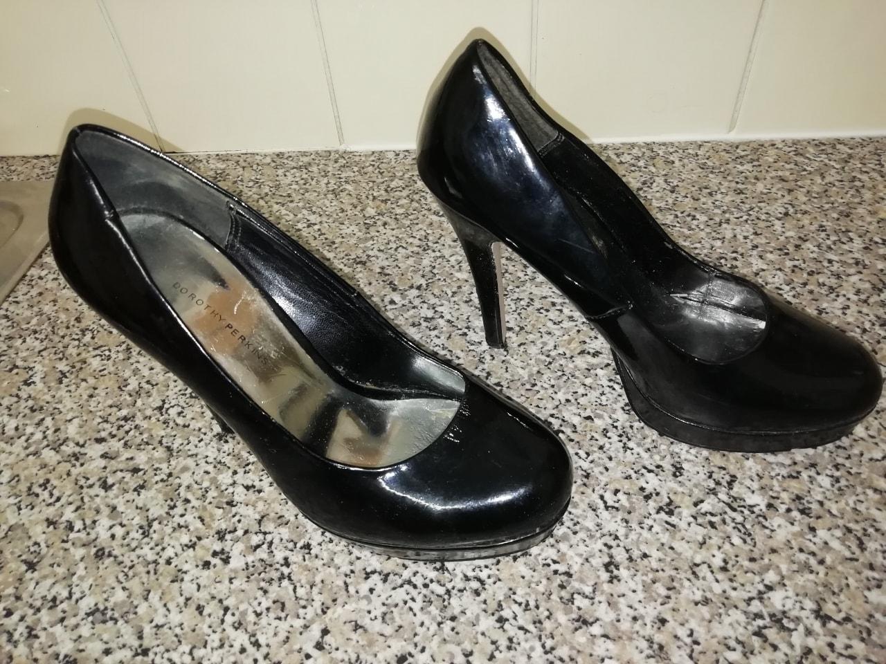 Shoe heels