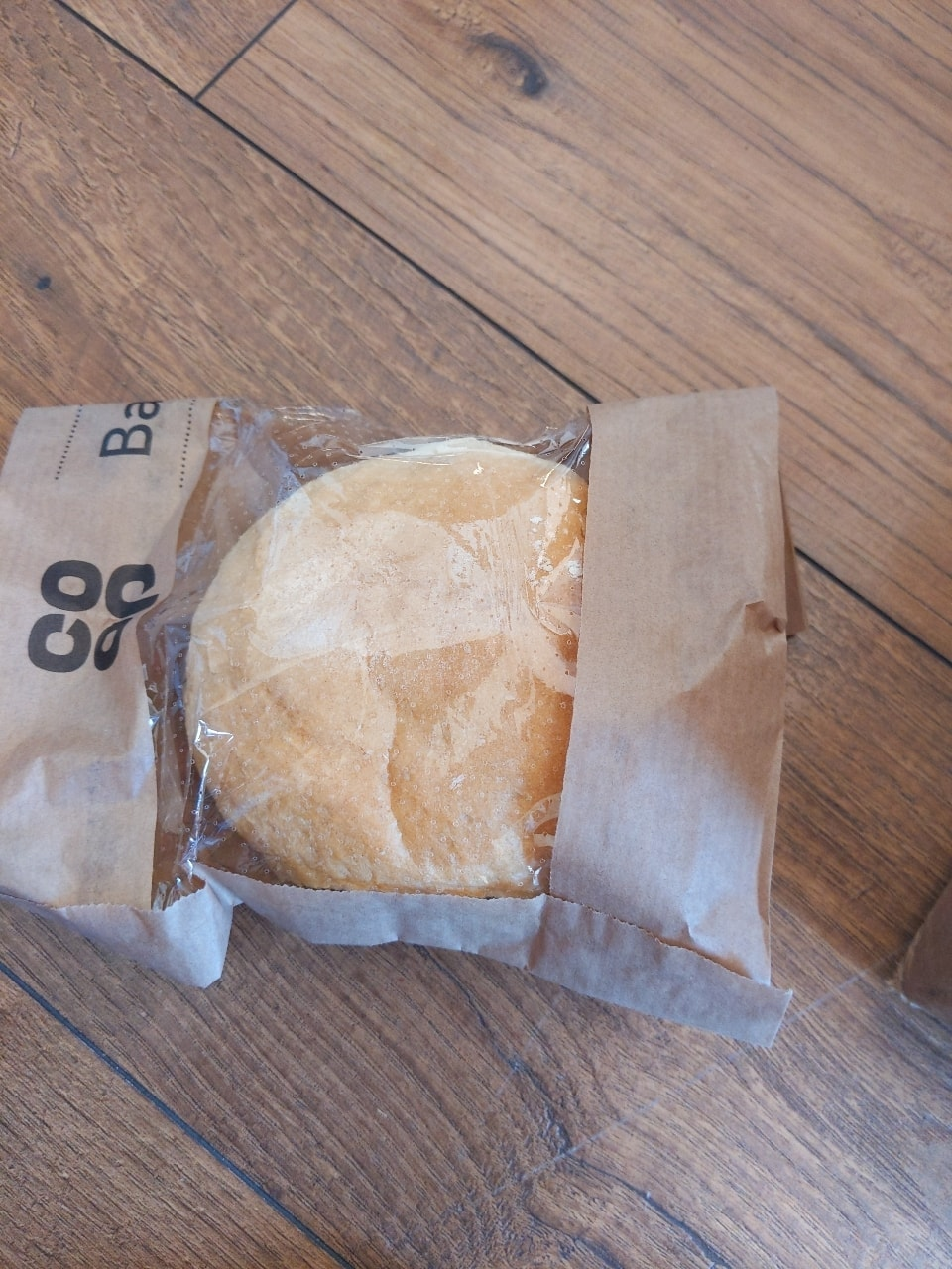 White crusty batch roll