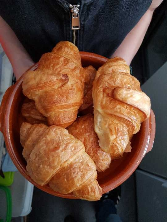 6 x Day Old Croissants
