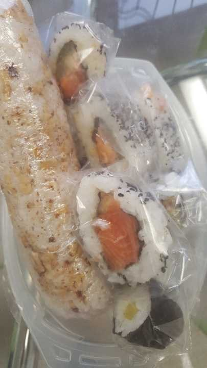 2. Sushi mix 1 roll and 12 single pieces