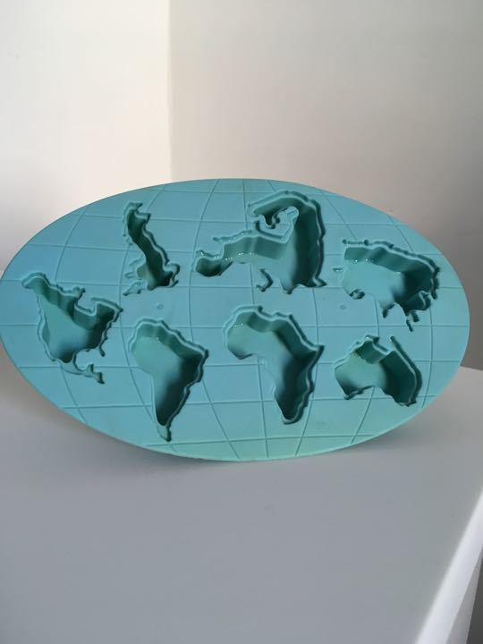 Ice cube tray - continents