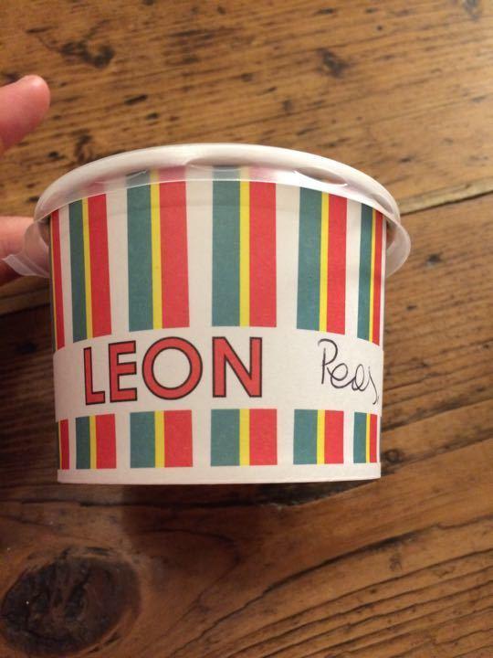 Leon pees