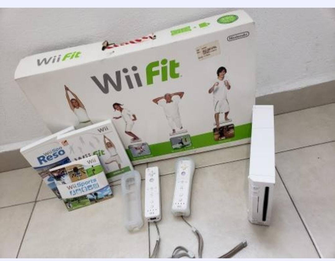 Nintendo Wii Blanco con Wii board y 3 juegos
