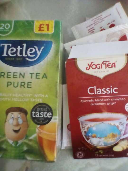 Green Tea & Organic Yogi Tea