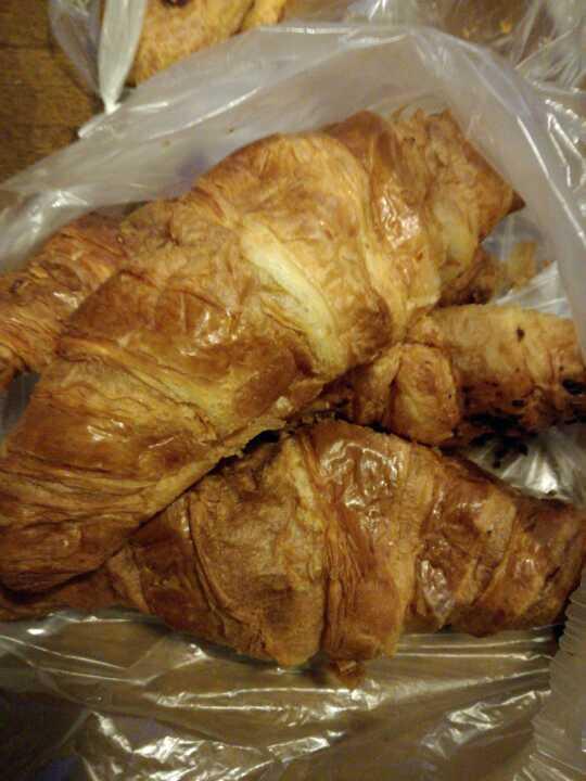X1choc x3 plain croissants