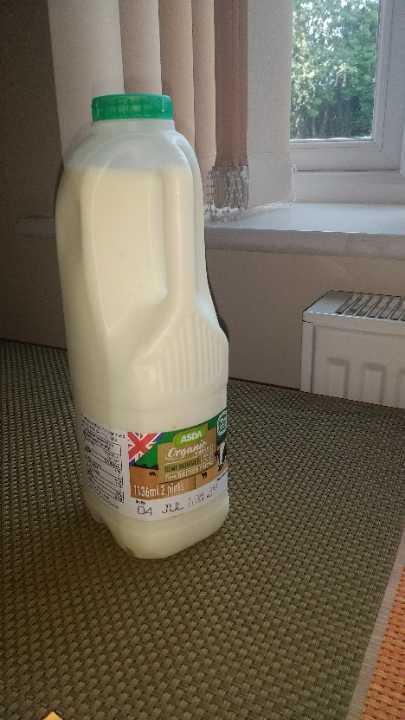 Organic Milk Semi skimmed Unopened
