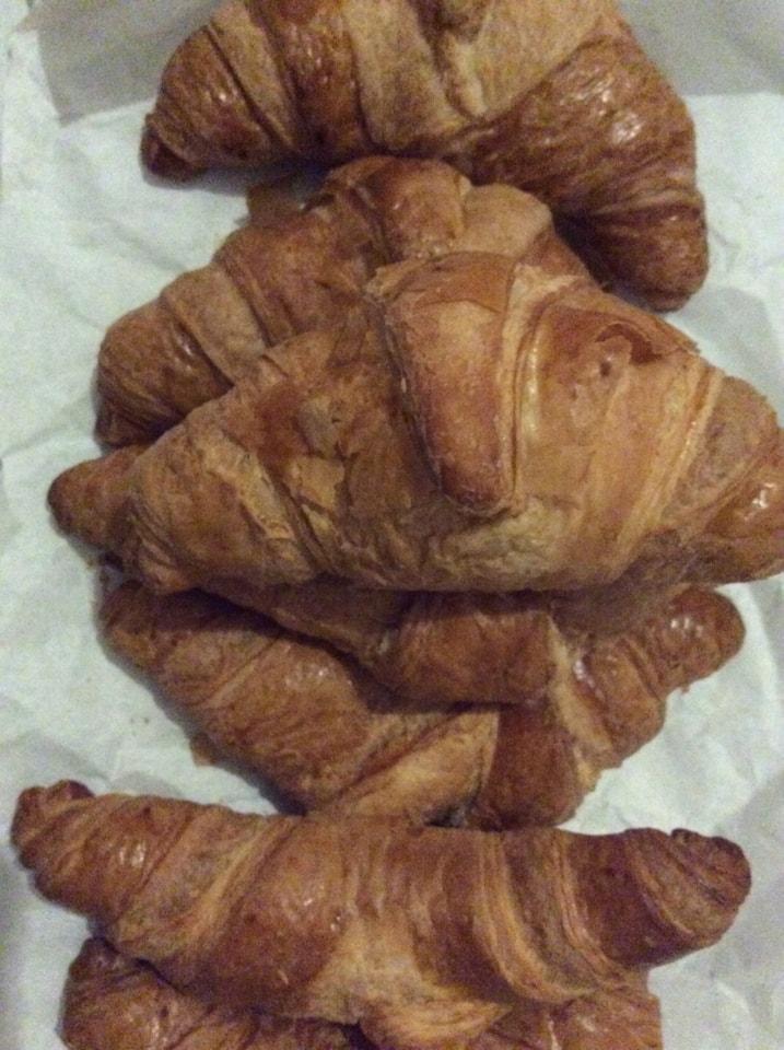 Plain croissants 🥐 x 7
