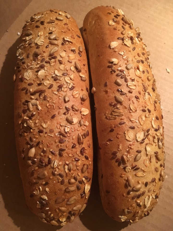 2 medium size breads with seeds