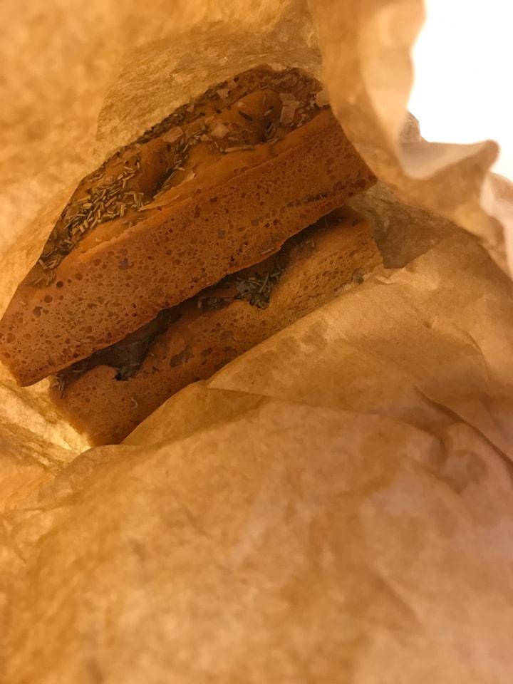 Fresh glutenfree vegetarian focaccia (Rosmarin) from Happy Atelier (24/06)