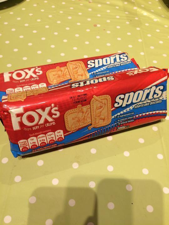 Fox's sport shortcake biscuits