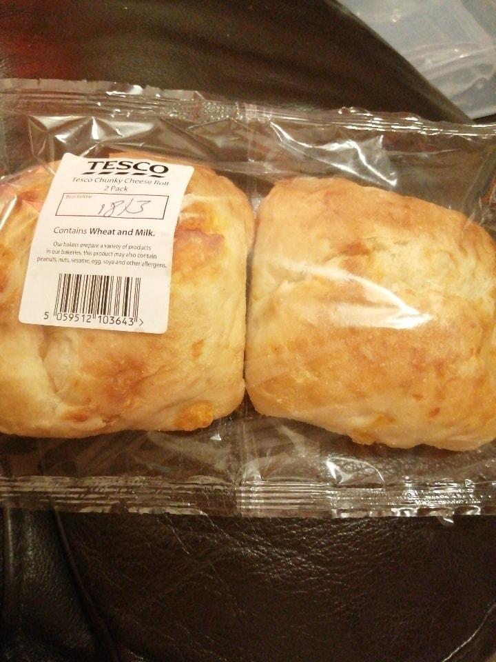 Tesco chunky cheese roll