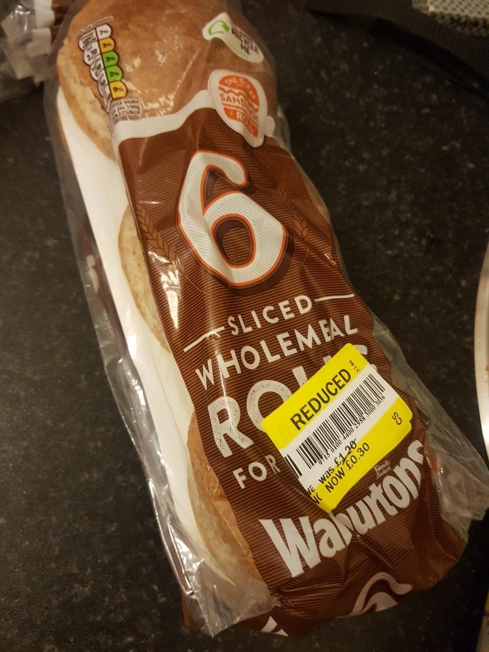 Sliced wholemeal rolls