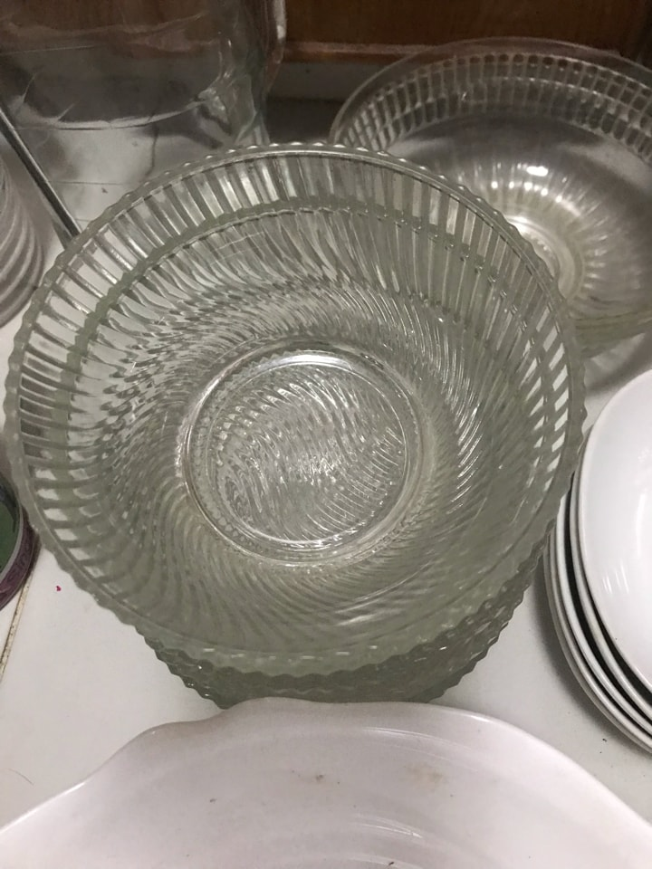 Plates, cups and bowls
