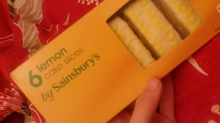 6 lemon cake slices