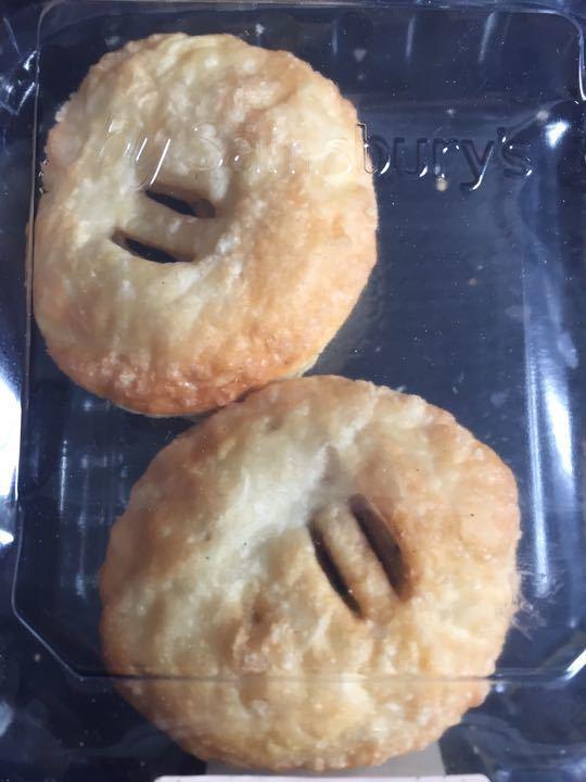 2 Eccles cakes