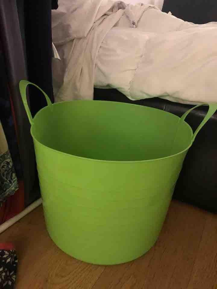 Green storage tub