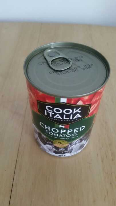 Chopped tomatoes tin