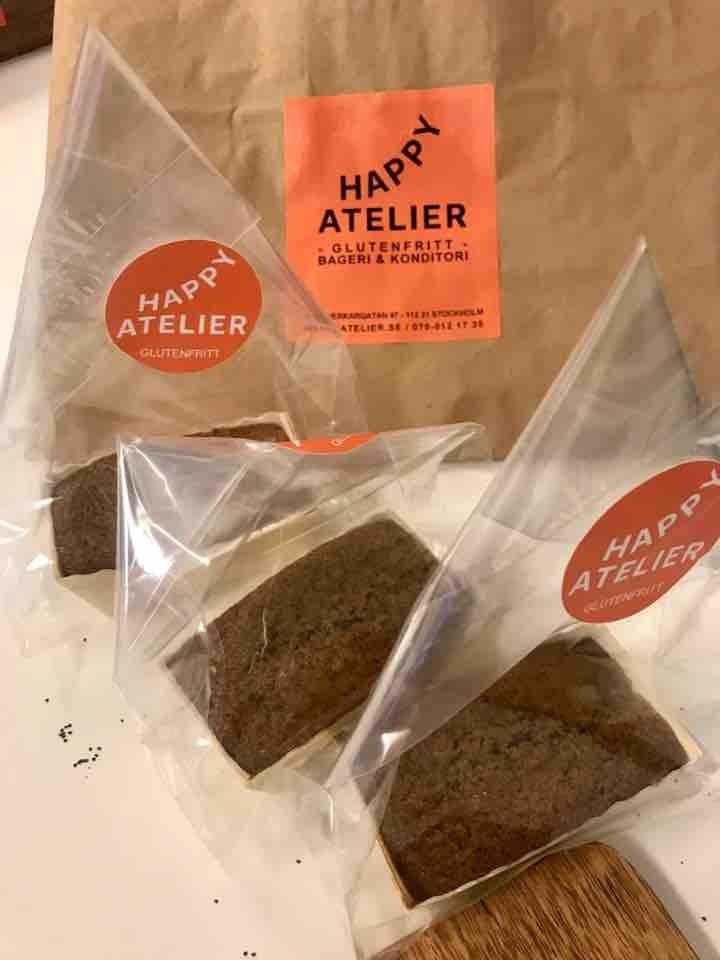 Fresh glutenfree mini cakes (apple/cinnamon) from Happy Atelier (24/05)