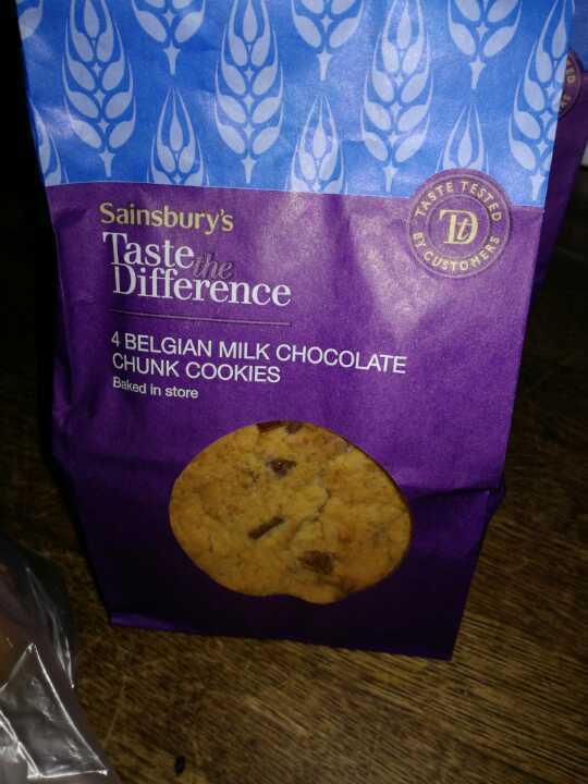 Belgium milk chocolate chunk cookies.