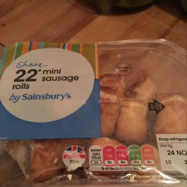 22 mini sausage rolls