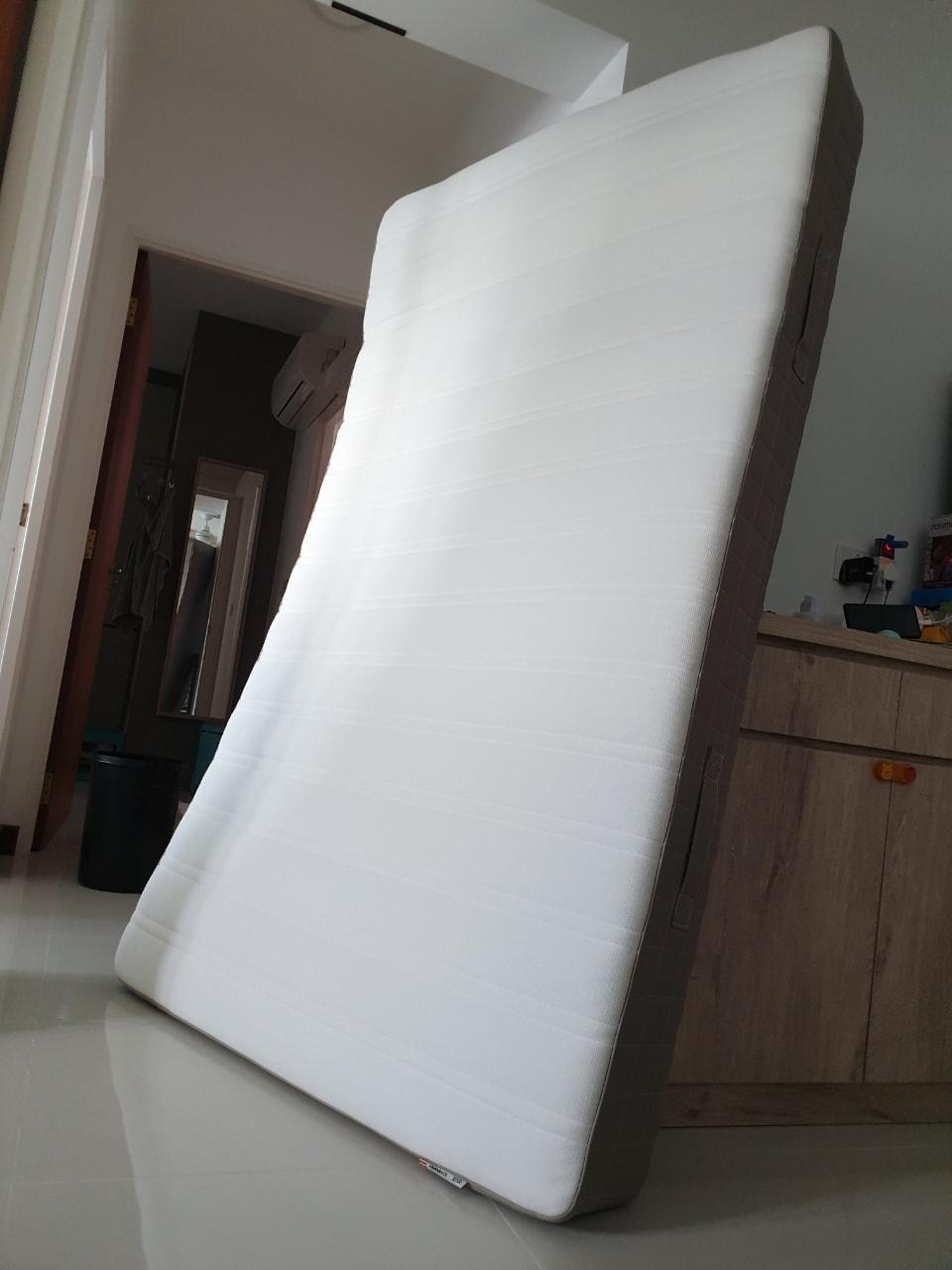 4 Year old IKEA HAMARVIK super single mattress