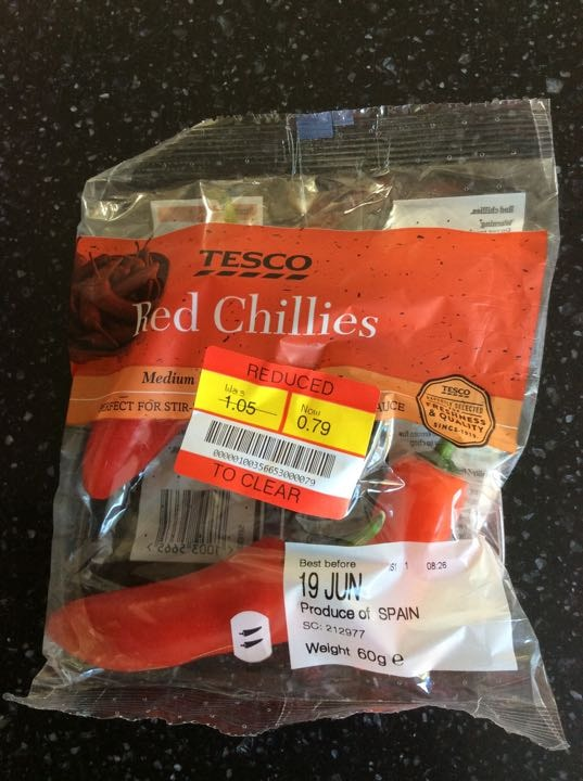 Red chillies x 7