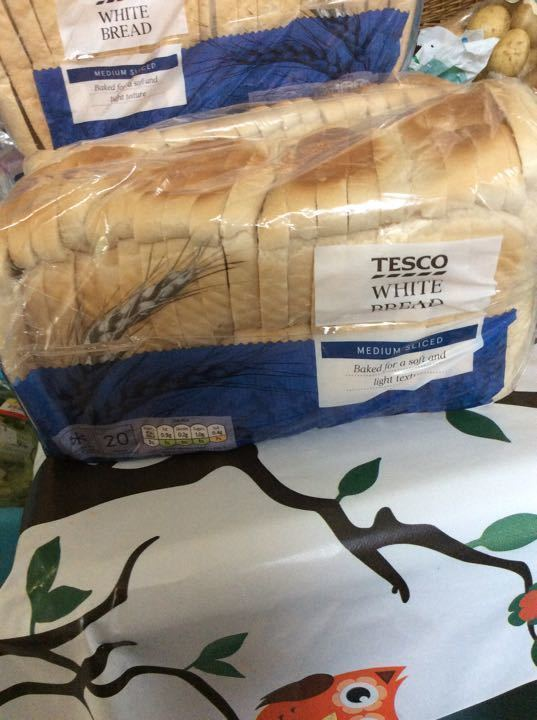 Tesco white medium sliced bread