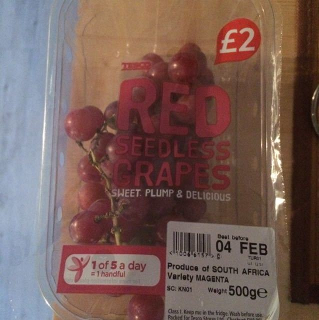 Seedless grapes half a pack