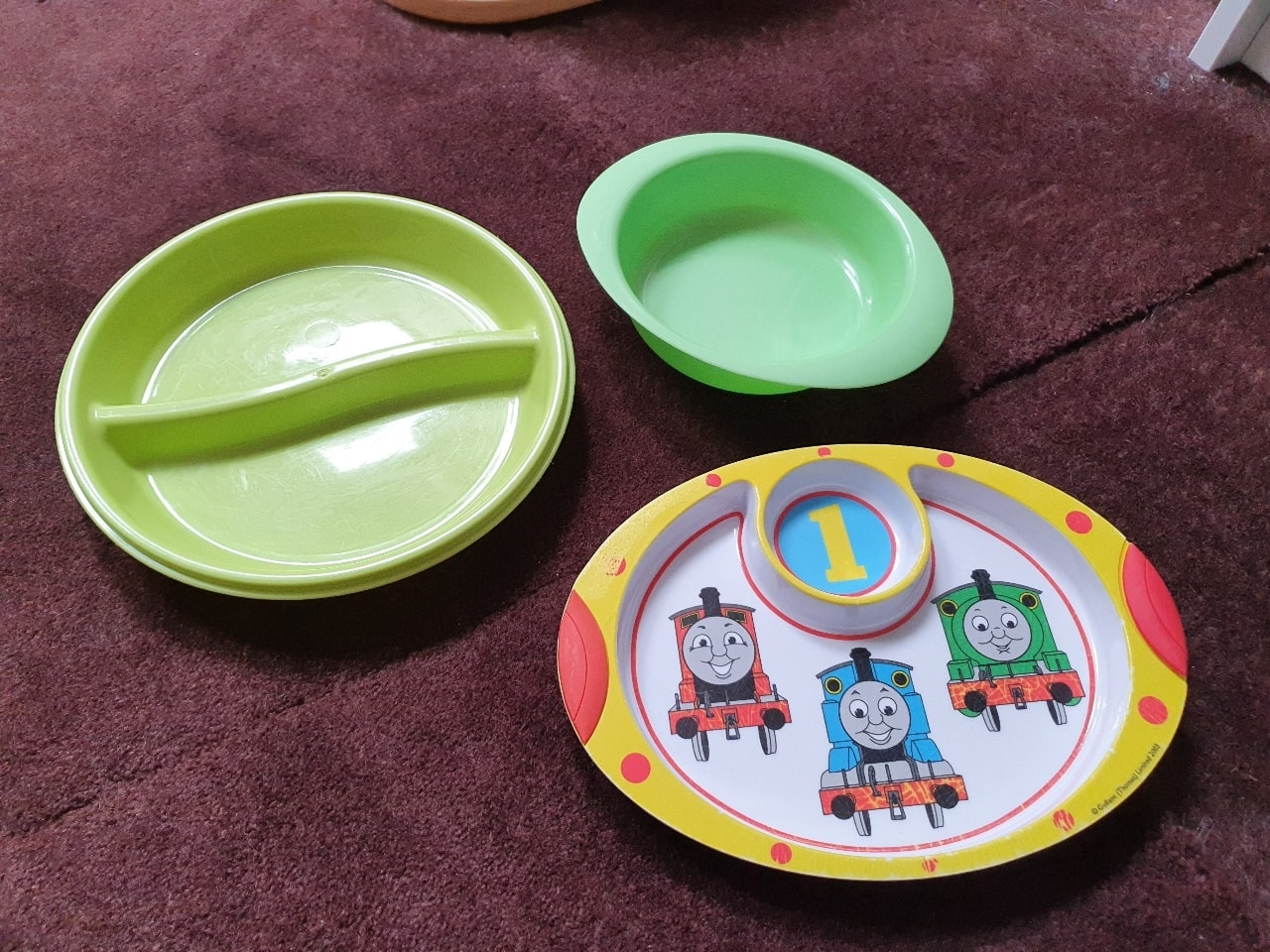 2x Children's plates and bowl