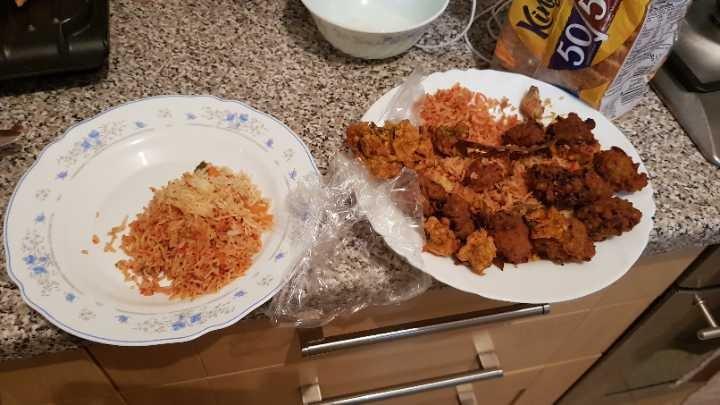 Free food. Pakoras. Misthis. Ramadan food