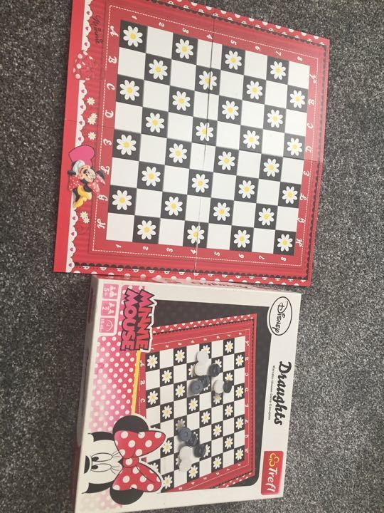 Minnie Mouse Game of Draughts