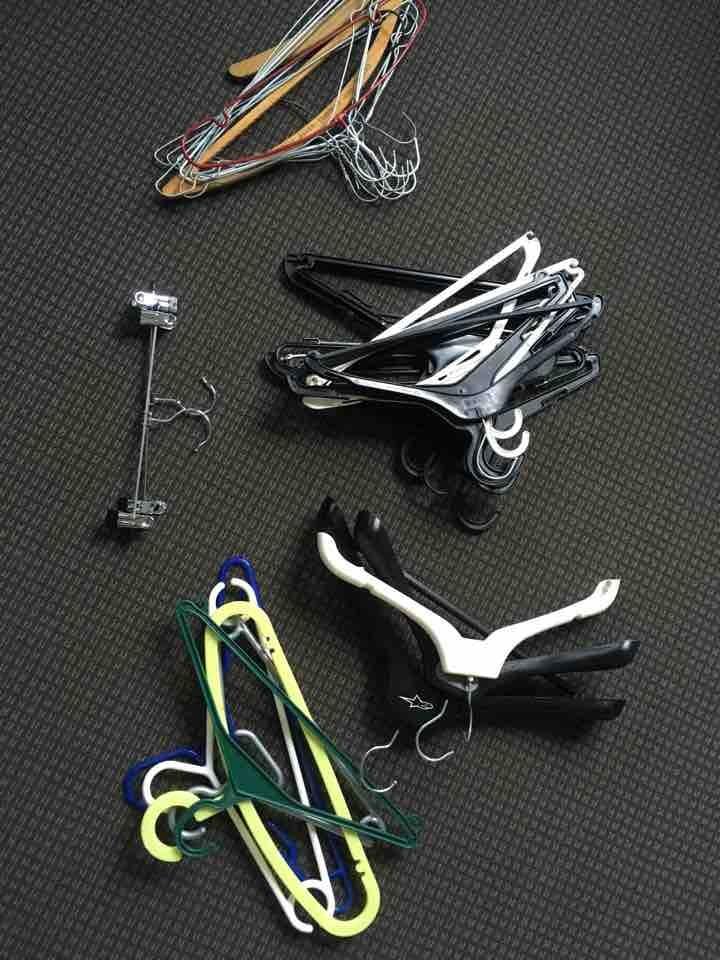 32 Clothes hangers