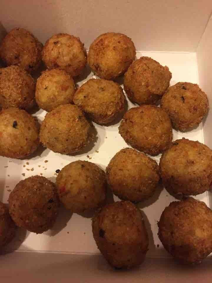 Spicy veg and mozzarella balls