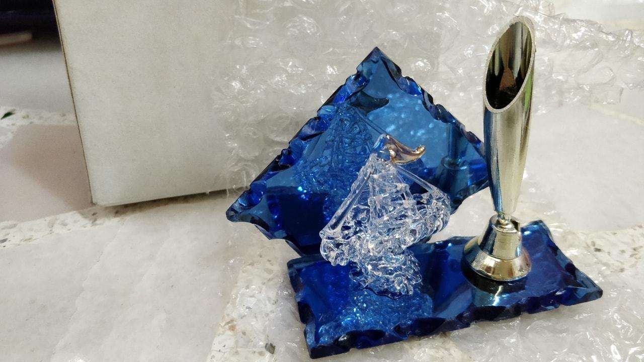 Glass ornament single pen holder