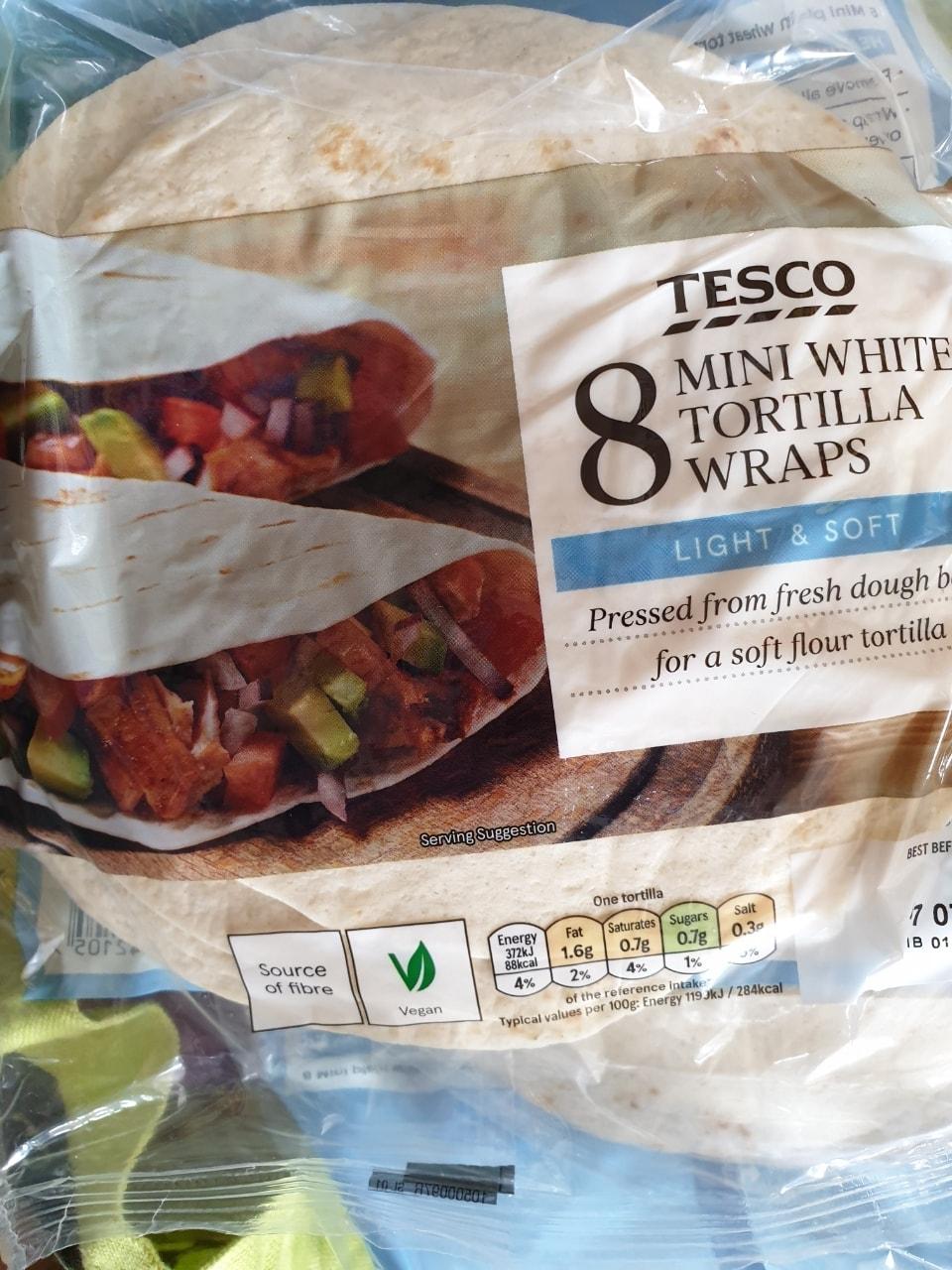 Mini white wraps