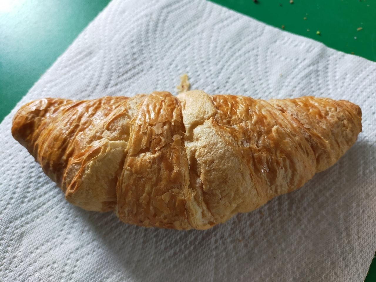 Tesco in-store bakery plain croissants X 2