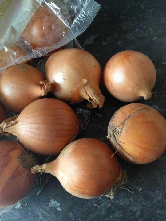 Small wonky onions