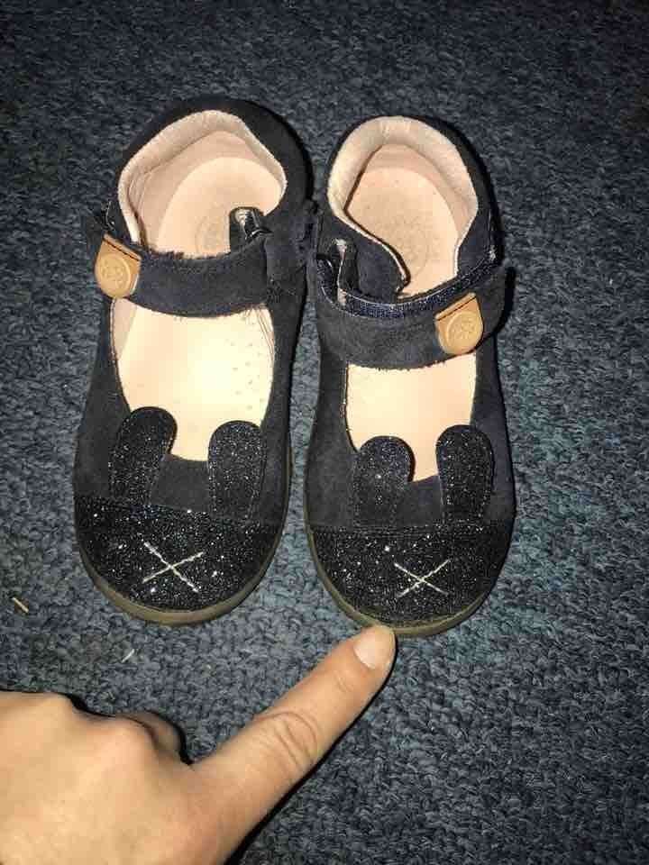 Leather Girls shoes size 26
