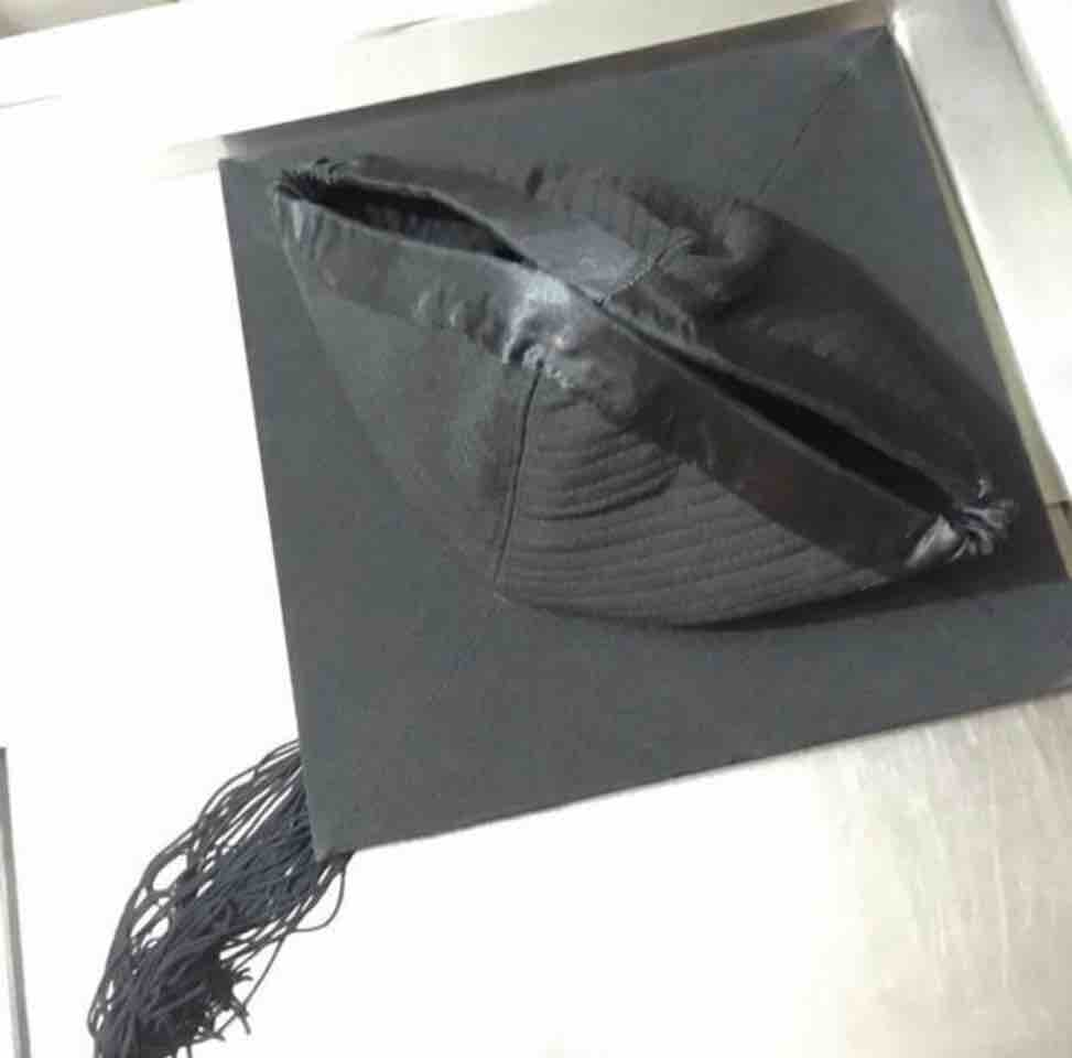 M size mortarboard