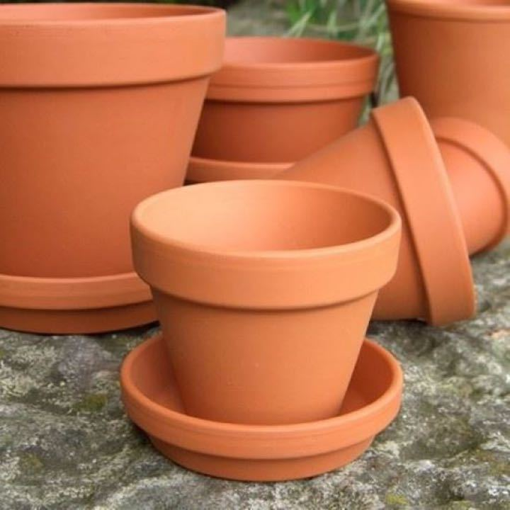 Pottery pots, any colour or size, chipped is fine