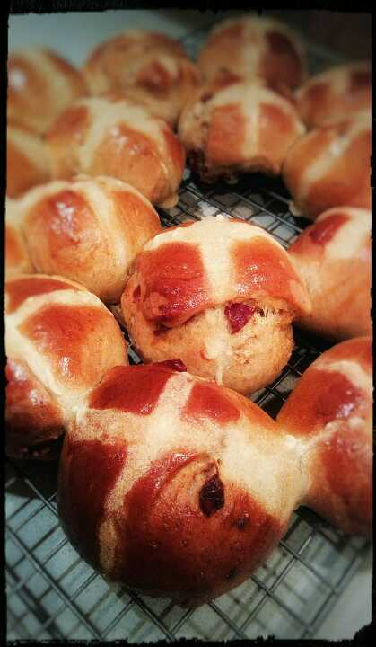 Easter special - mini hot cross buns with dry fig and cranberries