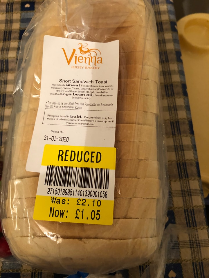 Short sandwich toast