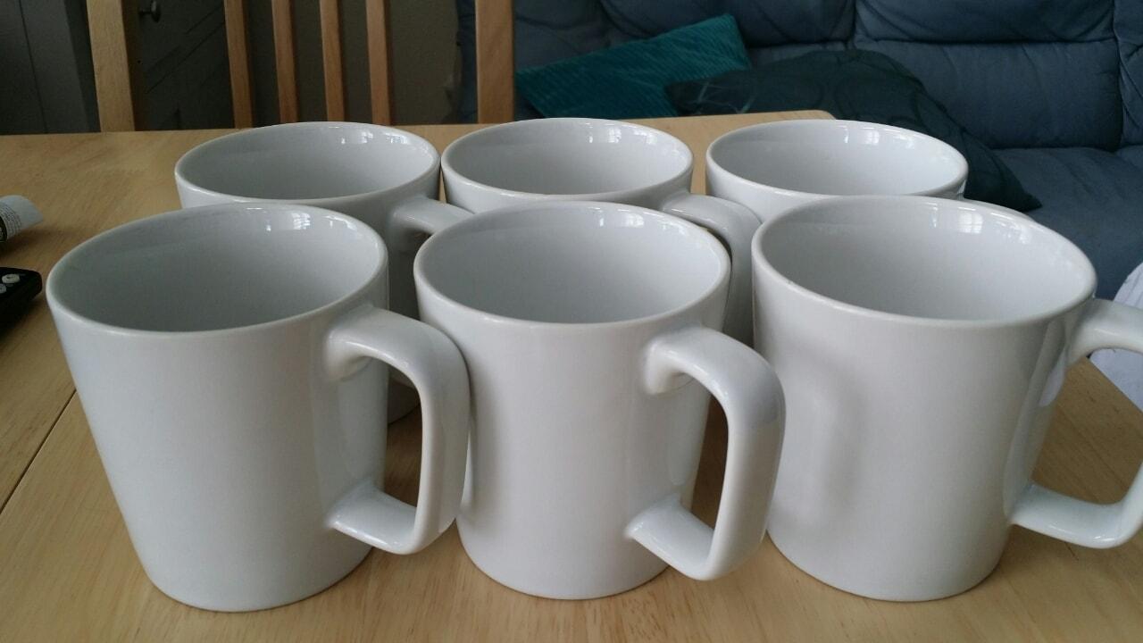 6 white mugs