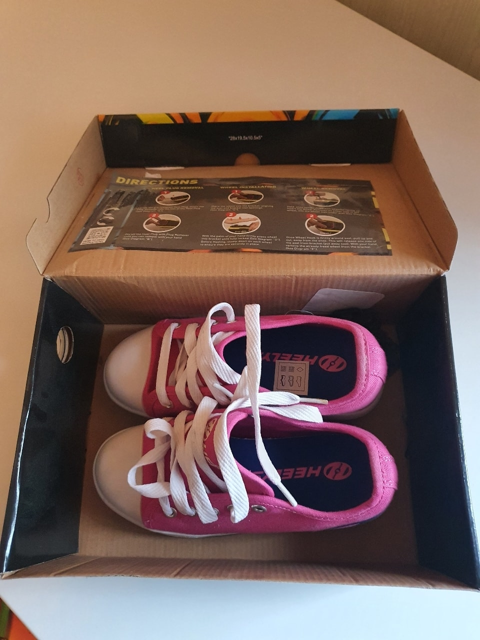 Girls heelys size 13/32